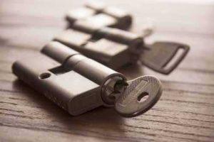 hoe berekent slotenmaker tarief prijs kosten